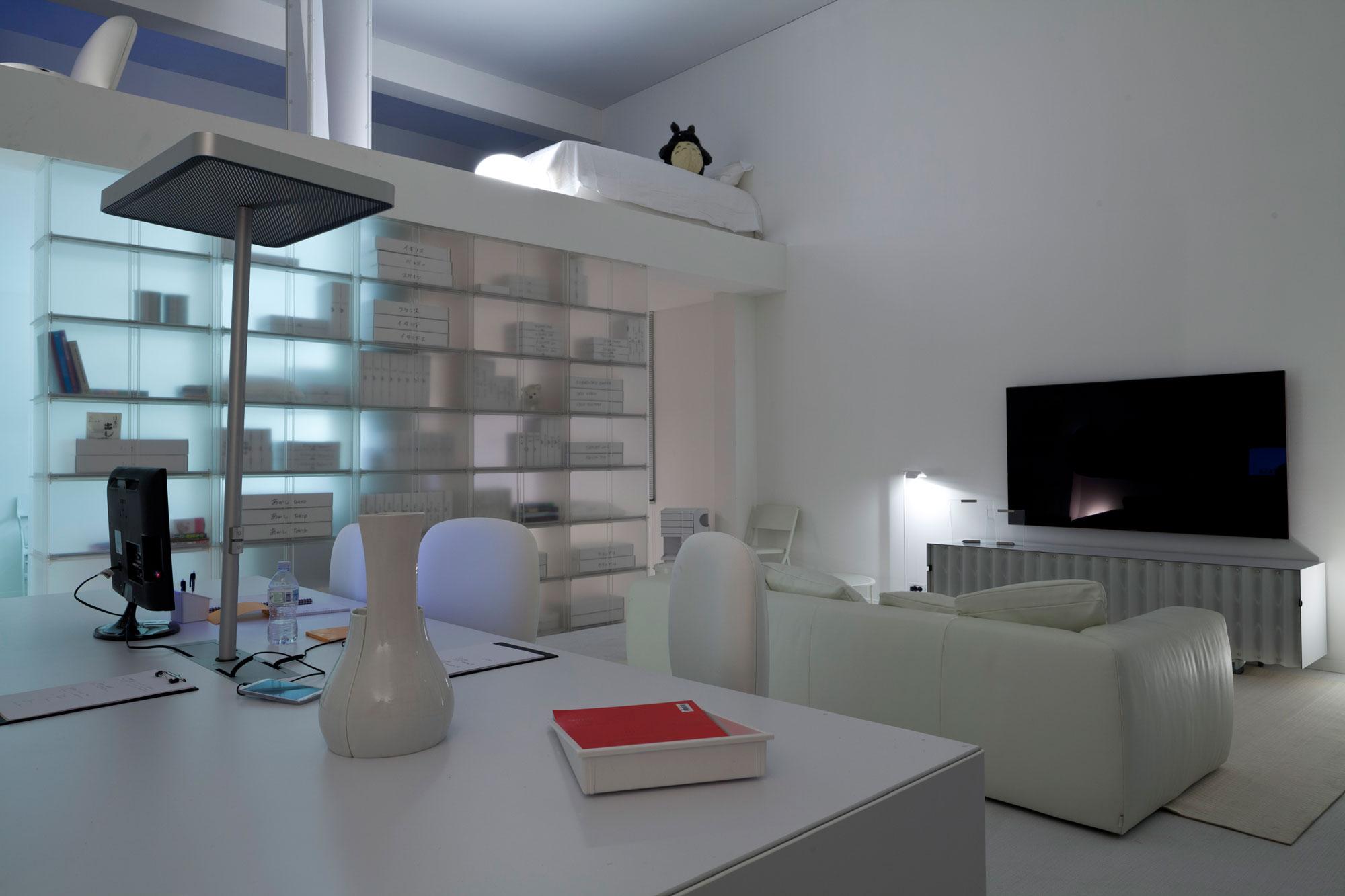 travailler chez soi jean nouvel design. Black Bedroom Furniture Sets. Home Design Ideas