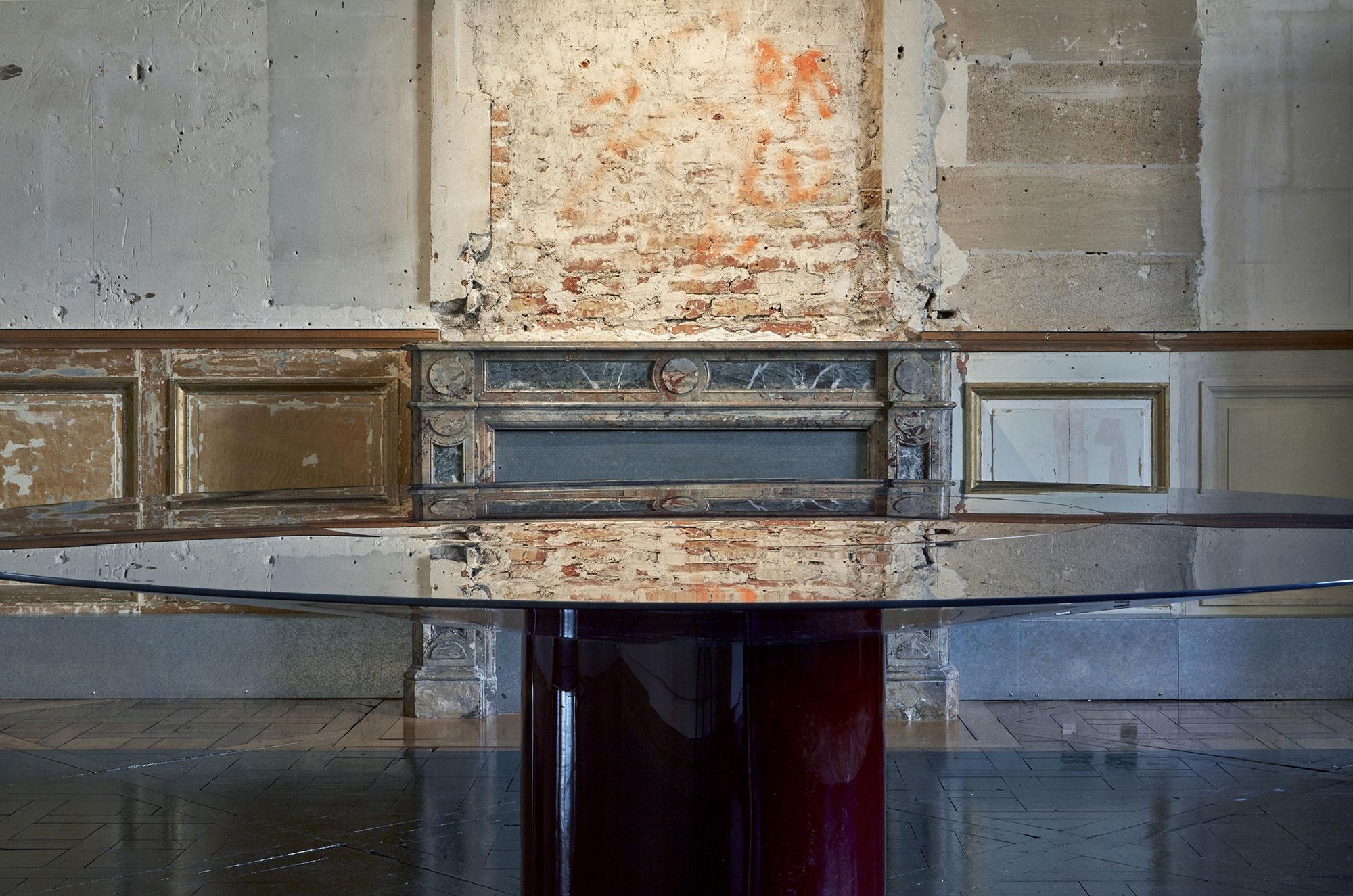 Li da jean nouvel design for Table extensible tournante